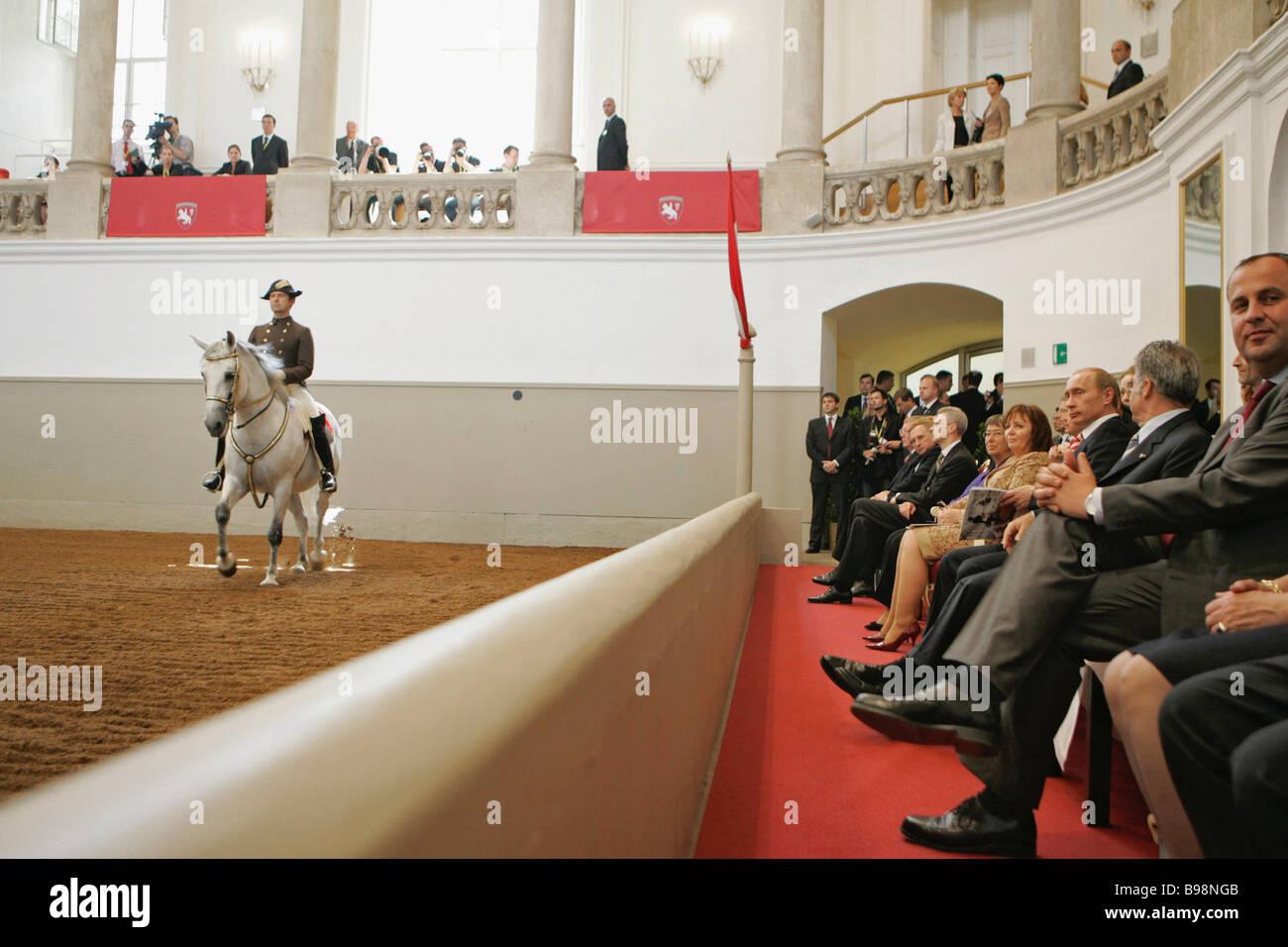 La Scuola di Equitazione Spagnola a Vienna Immagini Stock