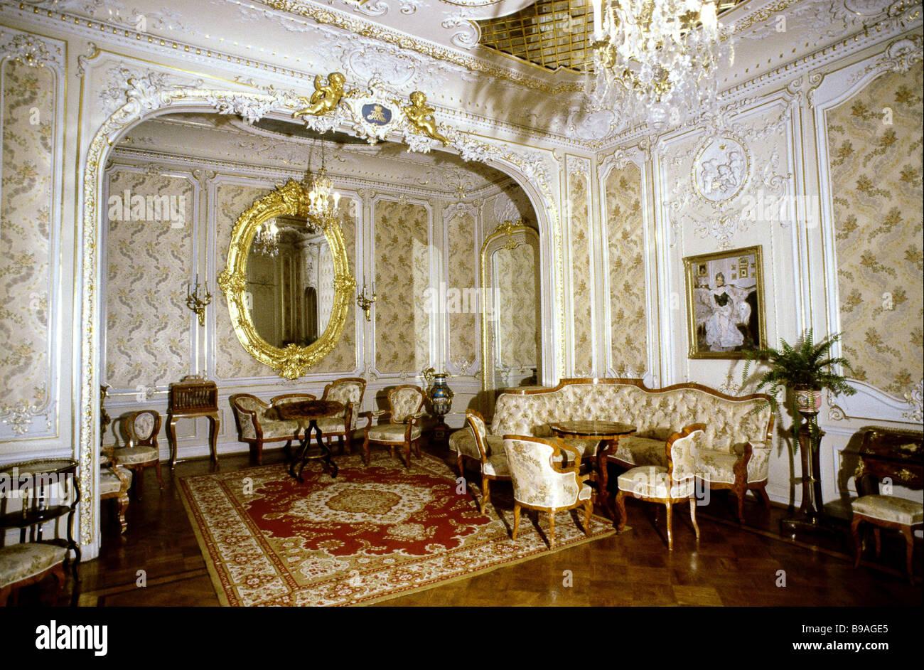 Piccola Sala Da Pranzo : La princess camere bianche più piccola sala da pranzo progettata