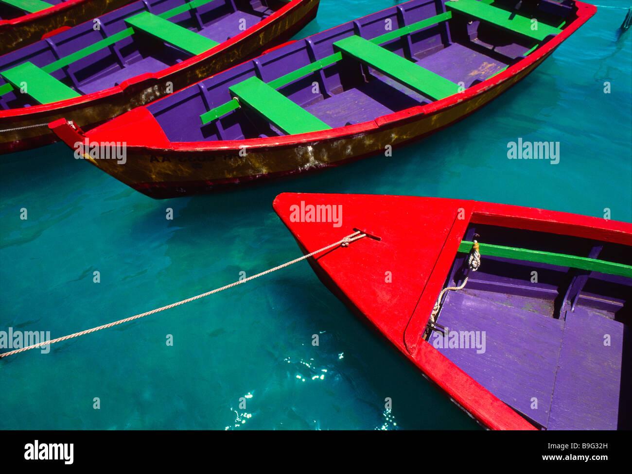Colorate imbarcazioni a remi in legno Puerto Rico Immagini Stock
