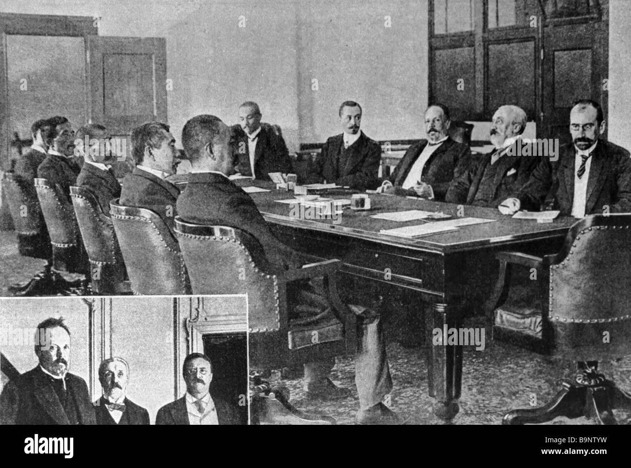 I firmatari della Federazione giapponese di trattato di pace che conferiscono a Portsmouth, Stati Uniti d'America Immagini Stock