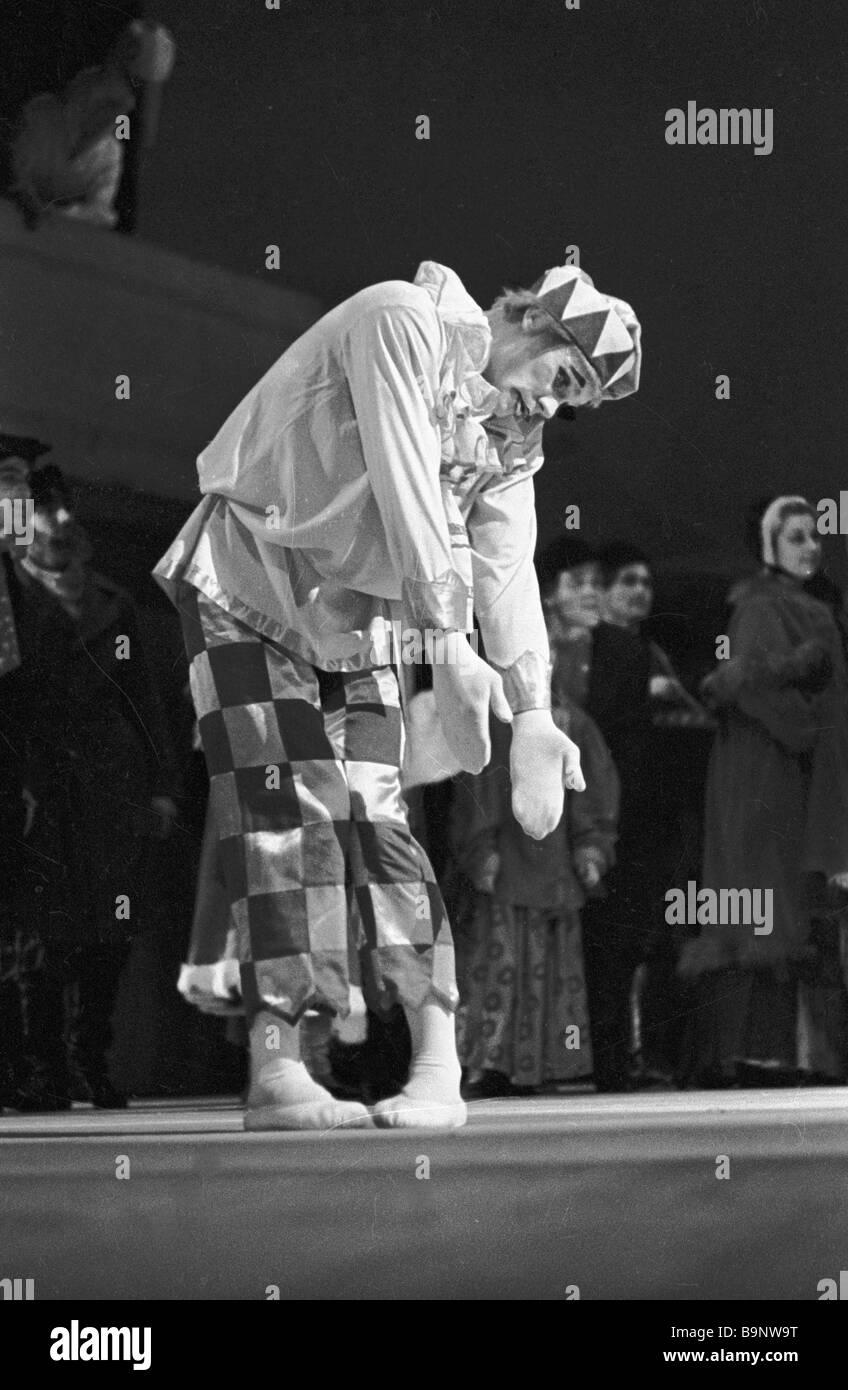 Onorevole artista della SFSR russo Vladimir Vasiliev come Petrushka di Igor Stravinsky Petrushka s ballet Immagini Stock