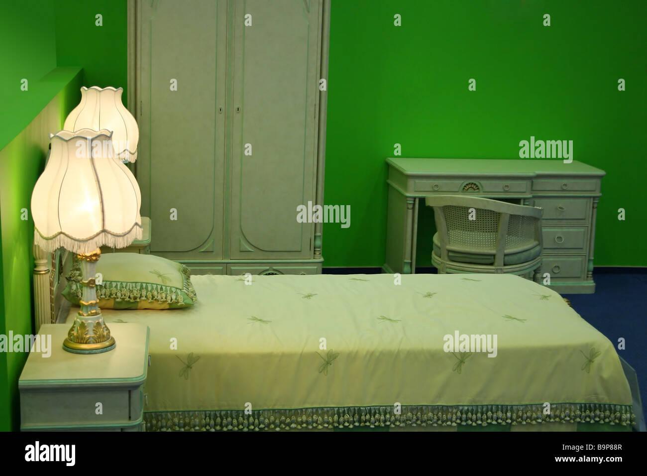 Camere Da Letto Verde Acido : Camera da letto verde foto immagine stock  alamy
