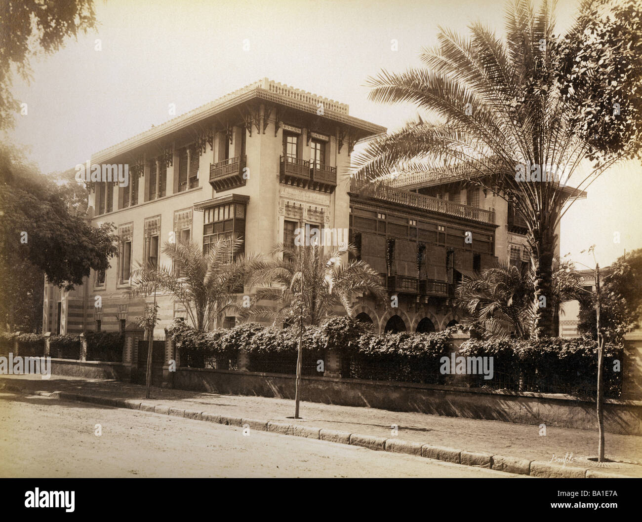 Geografia / viaggi, Egitto, al Cairo, Ambasciata francese, vista esterna, fotografia di Felix Bonfils, circa 1880, Immagini Stock