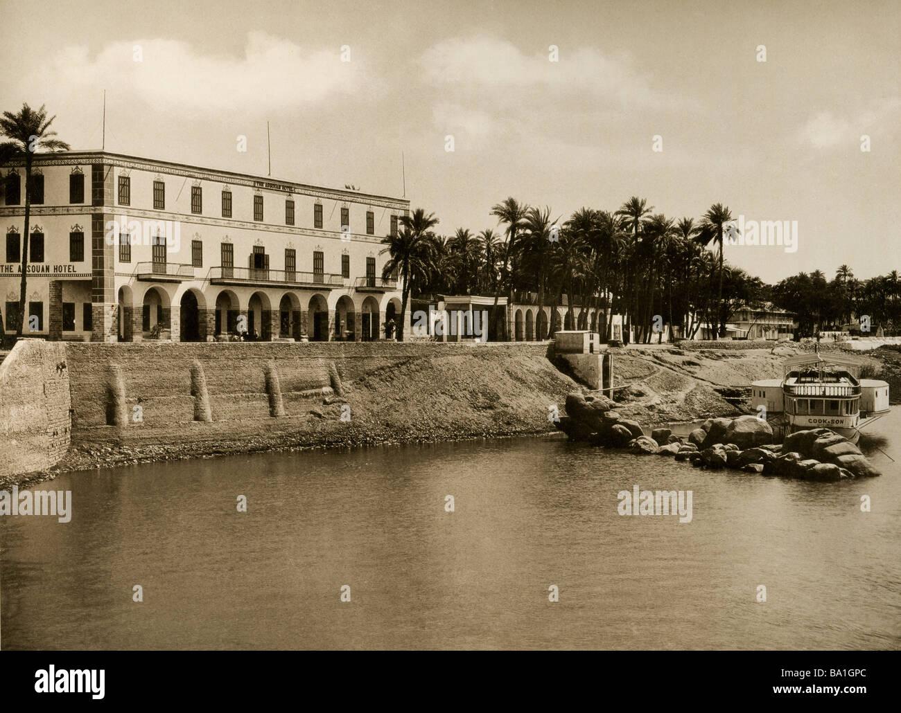 Geografia / viaggi, Egitto, Aswan, Corniche con Assouan Hotel, Edition Photoglob, circa 1890, Additional-Rights Immagini Stock