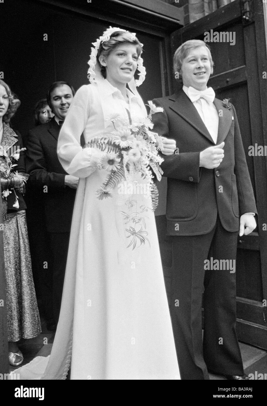 Matrimonio In Nero : Negli anni settanta foto in bianco e nero matrimonio matrimonio