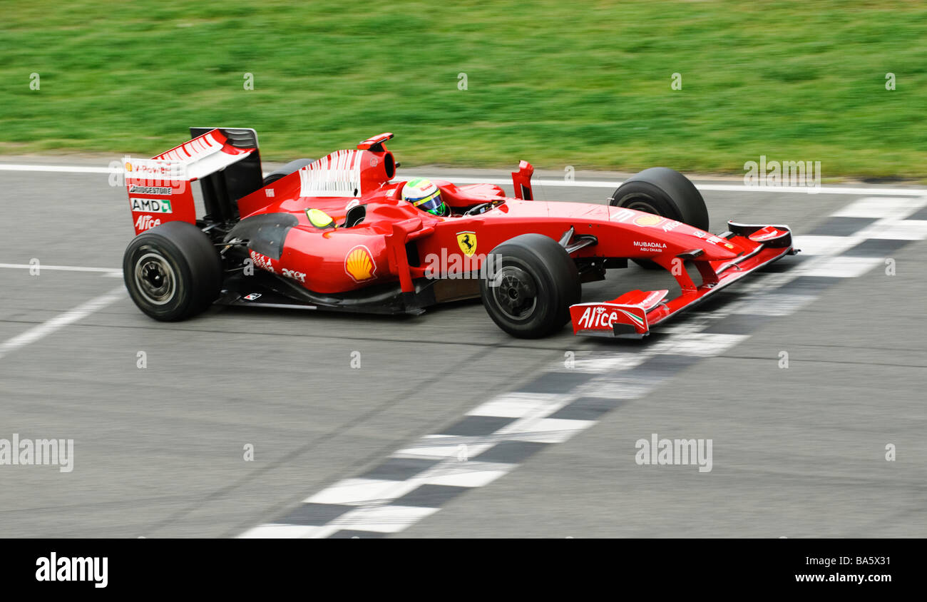 Felipe Massa in Ferrari F60 race car durante un test di Formula Uno in sessioni di Marzo 2009 Immagini Stock