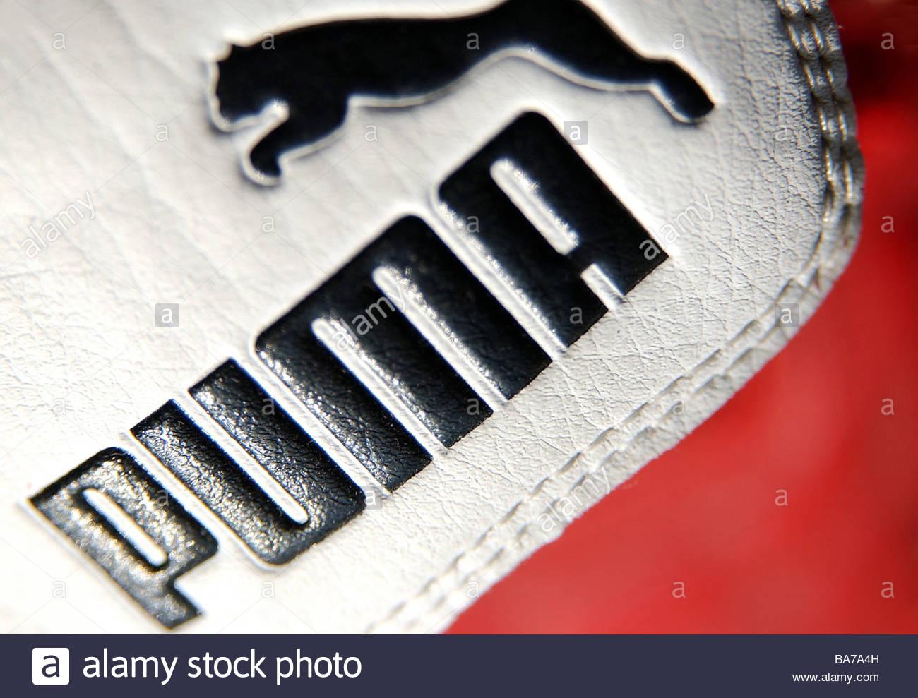 Close Alcuna Rilascio Rosso Sneakers Marchio Proprietà Di Puma Sa Up xIWwHf7Uw