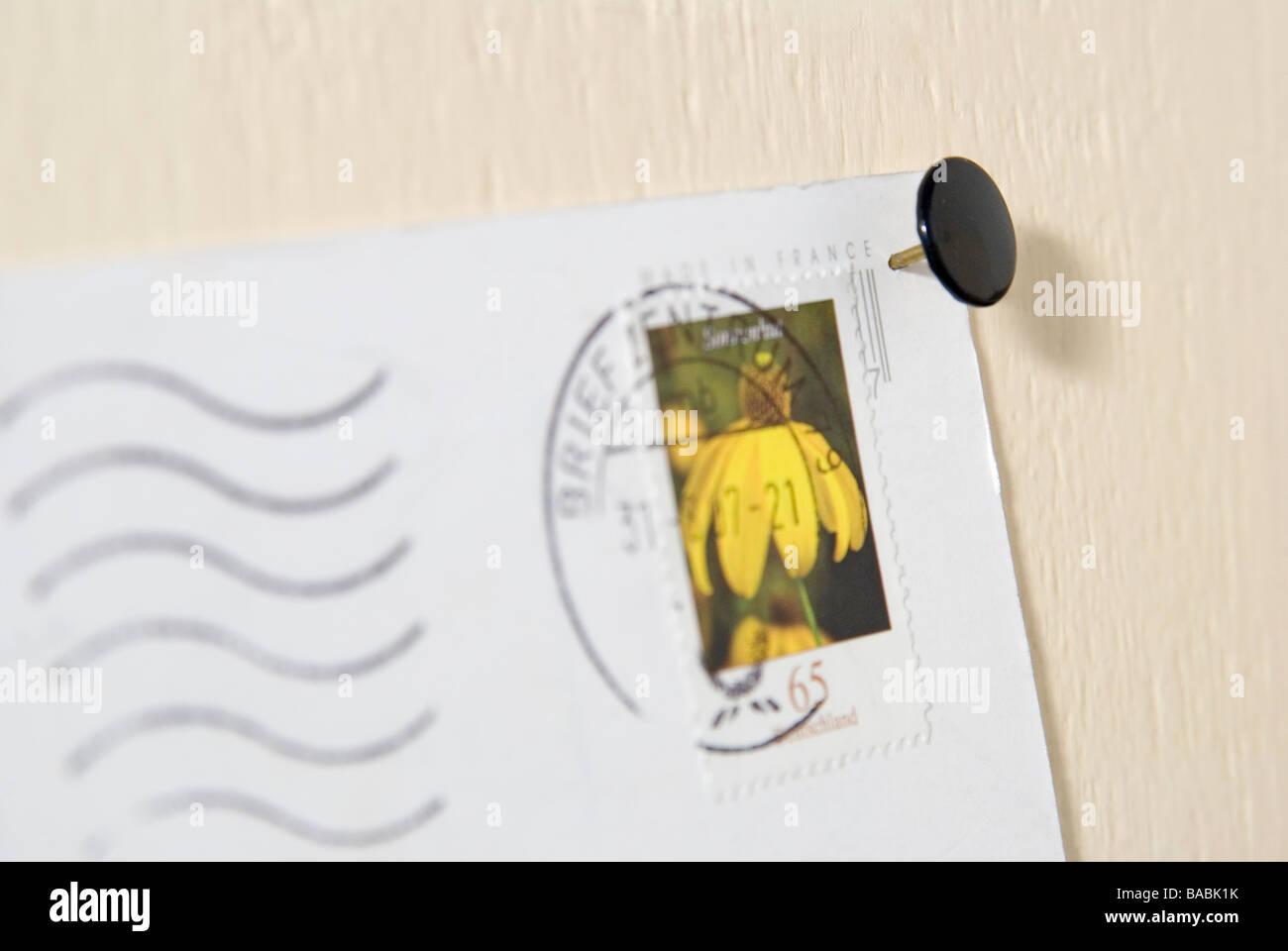 Cartolina fissata con pin Immagini Stock