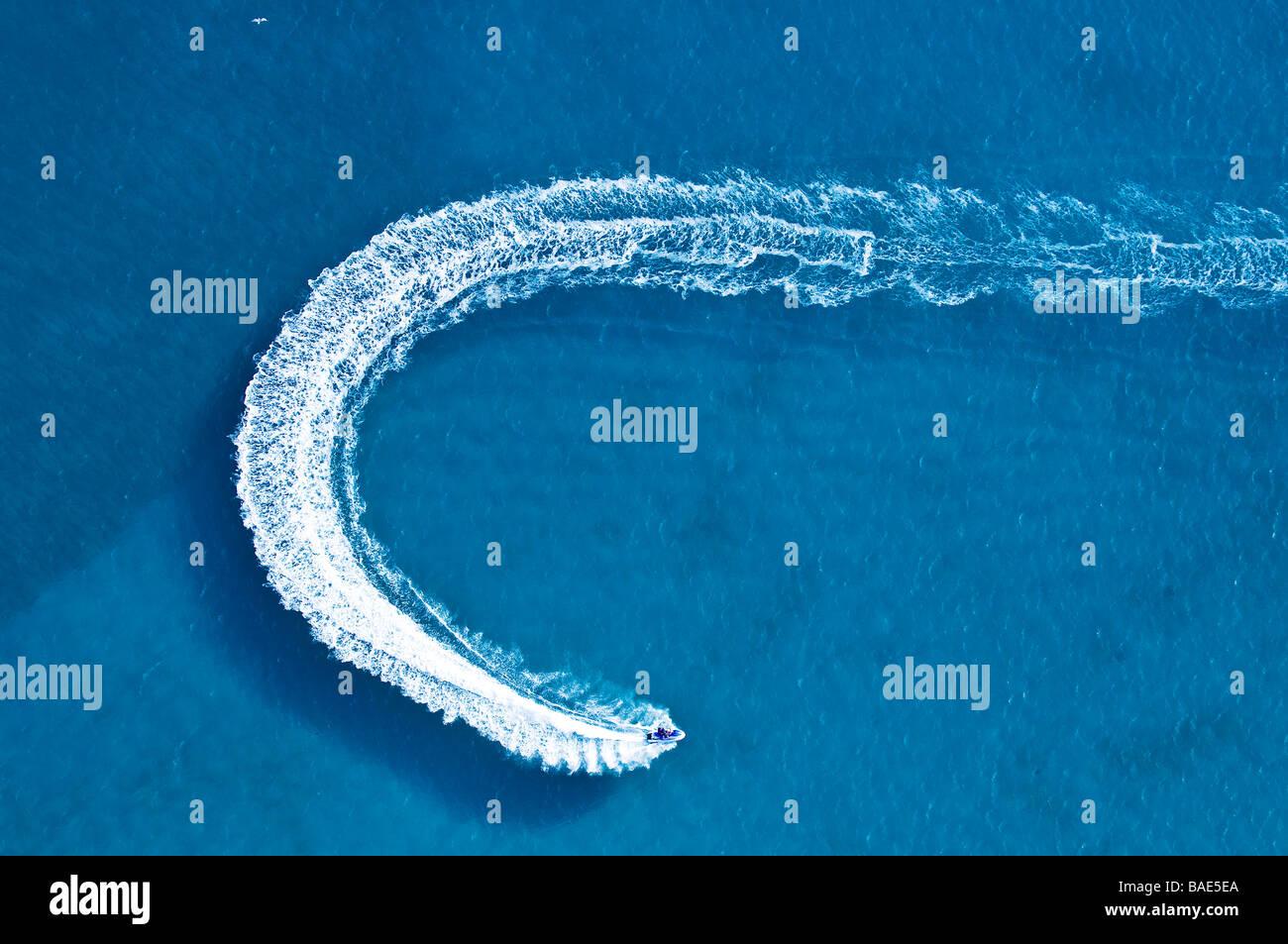 Francia, Corse du Sud, il Golfo di Lava, jet ski (vista aerea) Immagini Stock