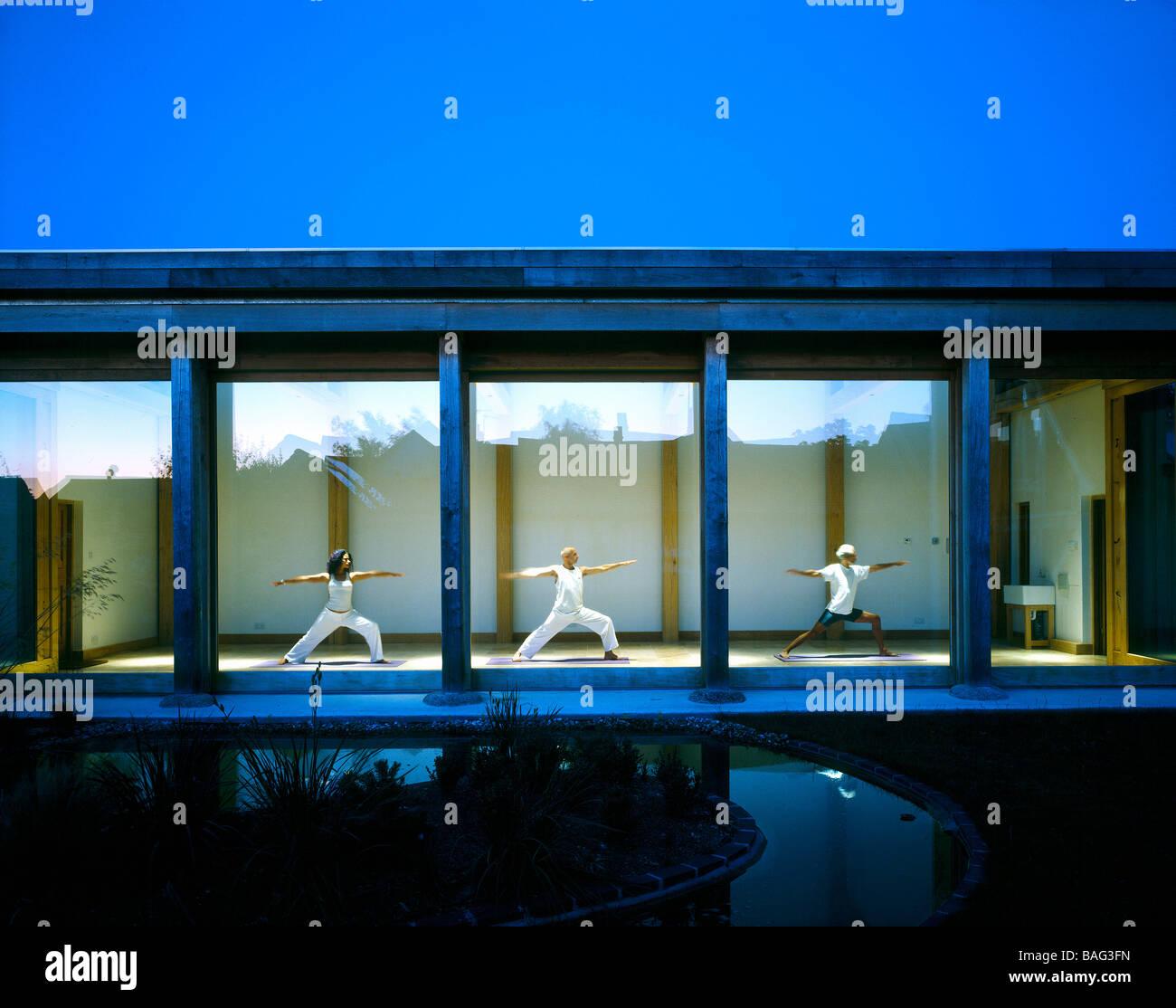Sophie Porri Studio di Yoga, Regno Unito, Freeland Rees Roberts, Sophie porri yoga studio vista del tramonto. Immagini Stock