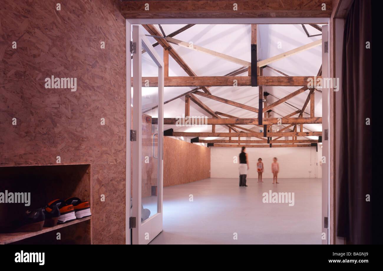 Bliss Dance Studio, Londra, Regno Unito, Ullmayer Silvestro architetti, Bliss dance studio vista in studio di danza Immagini Stock