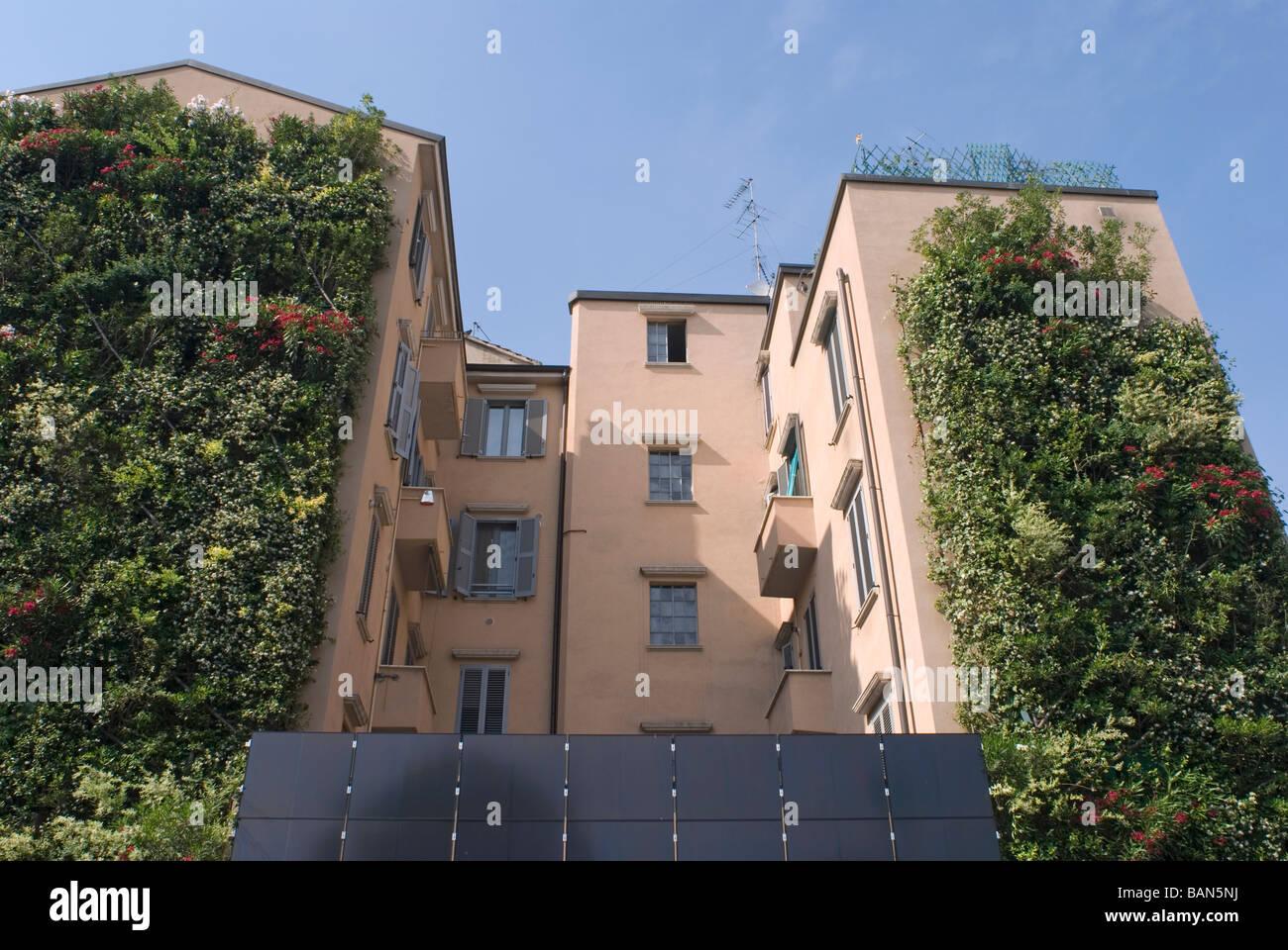 Giardino verticale milano italia foto & immagine stock: 23822446 alamy