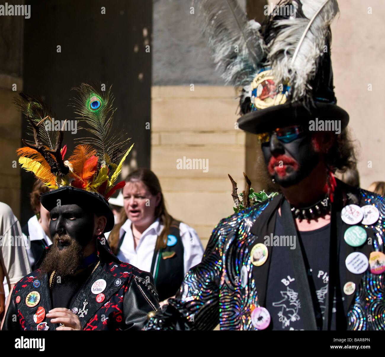 Membri del Suino Nero di confine lato Morris presso il Festival spazia  Immagini Stock e3044facd00
