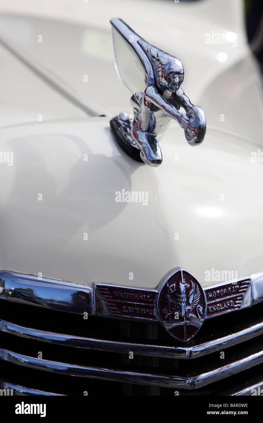 8448cbb435 Motivo del cofano su 1939 Vauxhall Holden Roadster tipo J a vettura da  rally