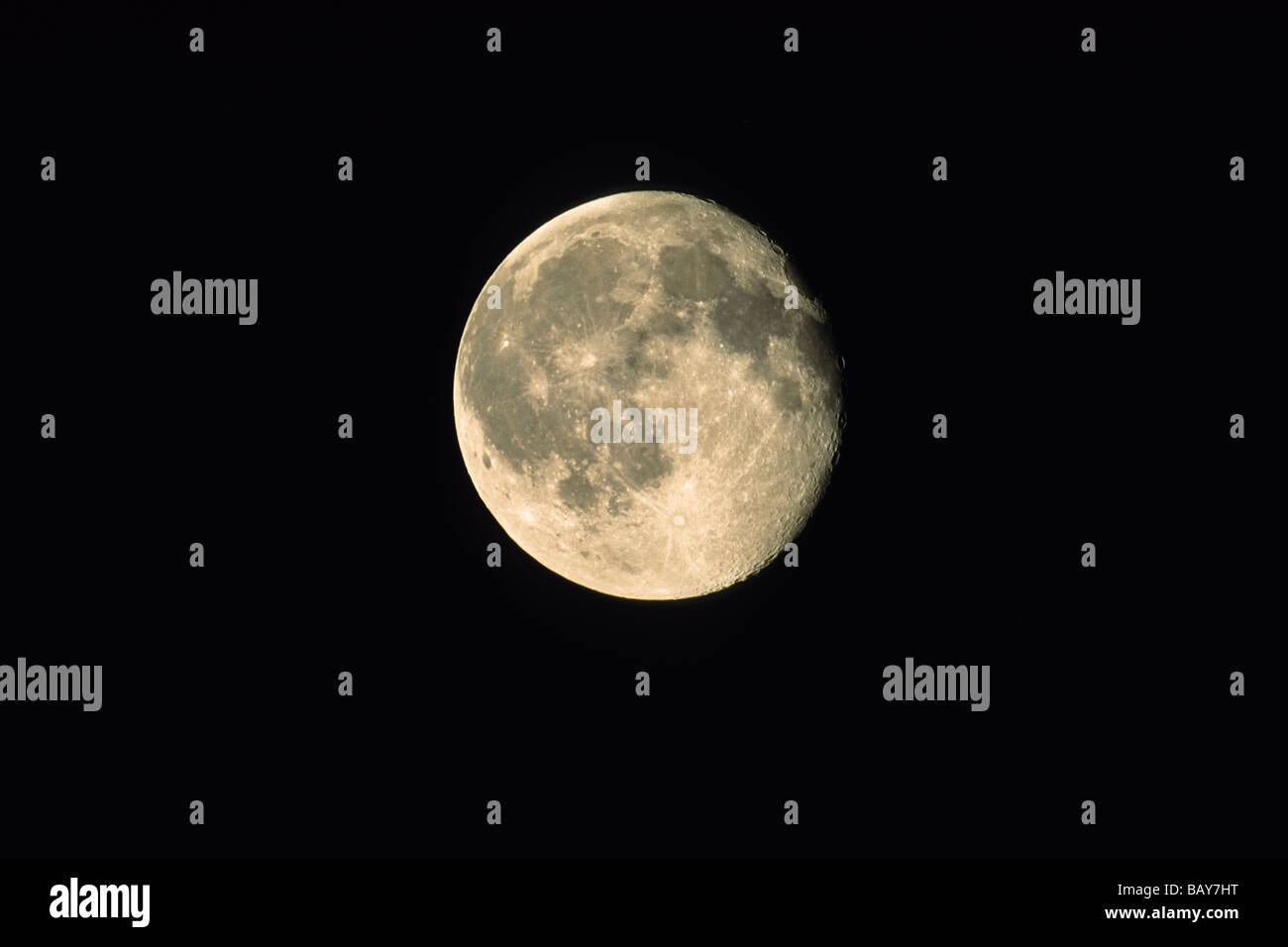 Quasi luna piena luna calante, notte Immagini Stock