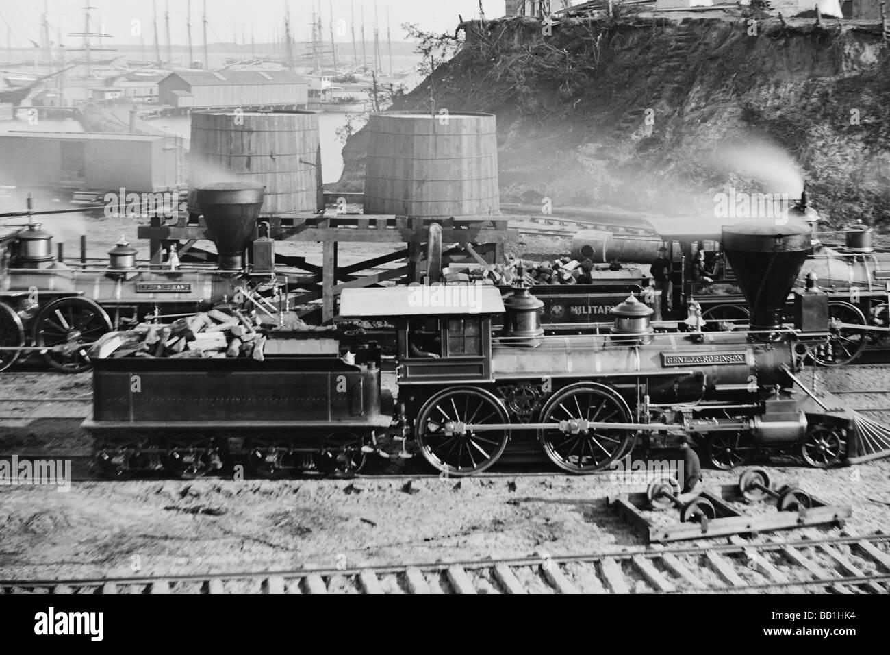 'Gen. J. C. Robinson' e altre locomotive di Stati Uniti Ferrovia militare Immagini Stock