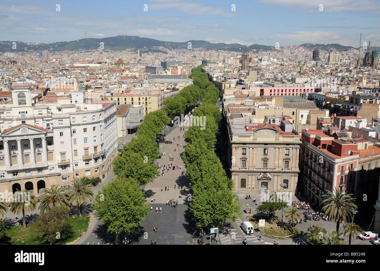 Vista aerea su La Rambla di Barcellona, Spagna Immagini Stock