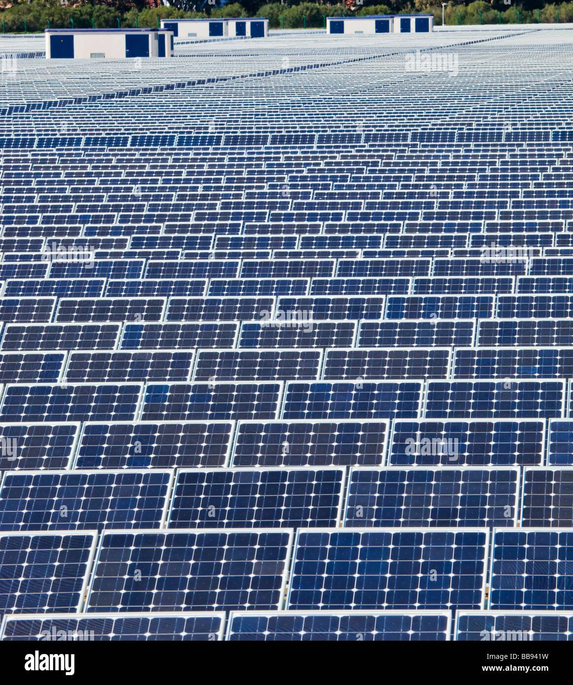 Energia solare centro vicino Guadarranque San Roque la provincia di Cadiz Cadice Spagna Immagini Stock