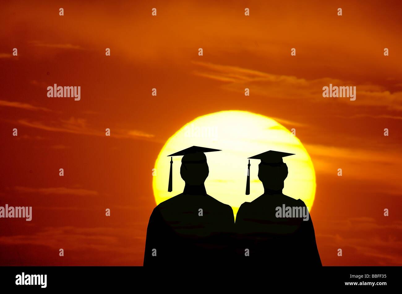Illustrazione vettoriale di maschio e femmina laureati guardando il tramonto Immagini Stock