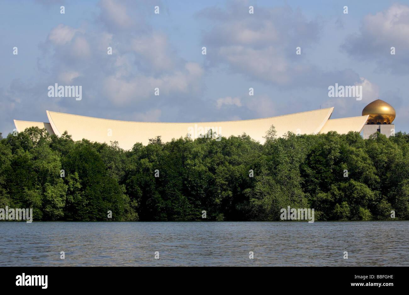 Il sultano del Brunei's Palace dal fiume per le mangrovie Bandar Seri Begawan Immagini Stock