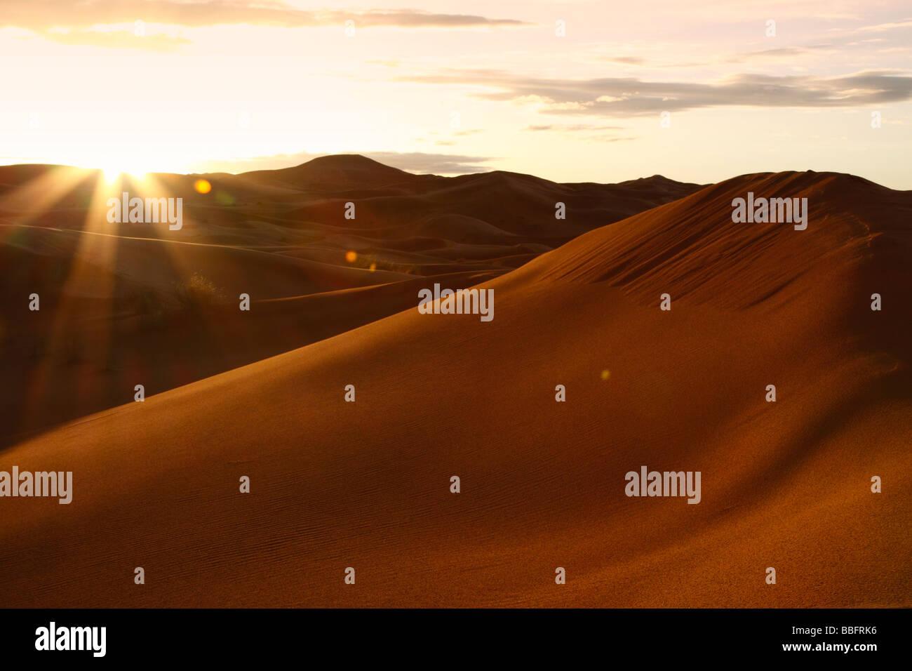 Africa, Nord Africa, Marocco deserto del Sahara, Merzouga Erg Chebbi, Sunrise Foto Stock