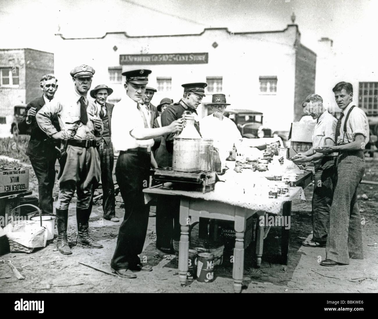 La grande depressione - un Esercito della Salvezza mensa di Los Angeles nel 1931 Immagini Stock