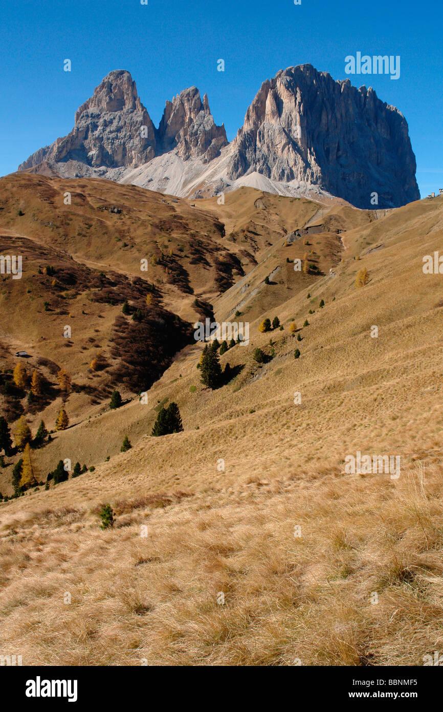 Geografia / viaggi, Italia, Trentino - Alto Adige, Passo Sella: il Sassolungo (Sassolungo) Gruppo, Additional-Rights Immagini Stock