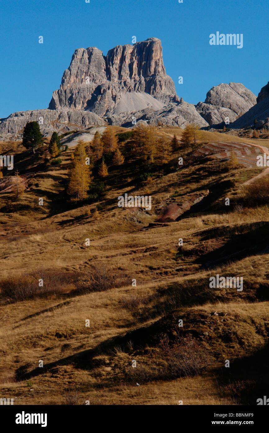 Geografia / viaggi, Italia, Trentino - Alto Adige, Passo Pordoi: Paesaggio con il Pordoi gruppo montuoso, Additional Immagini Stock