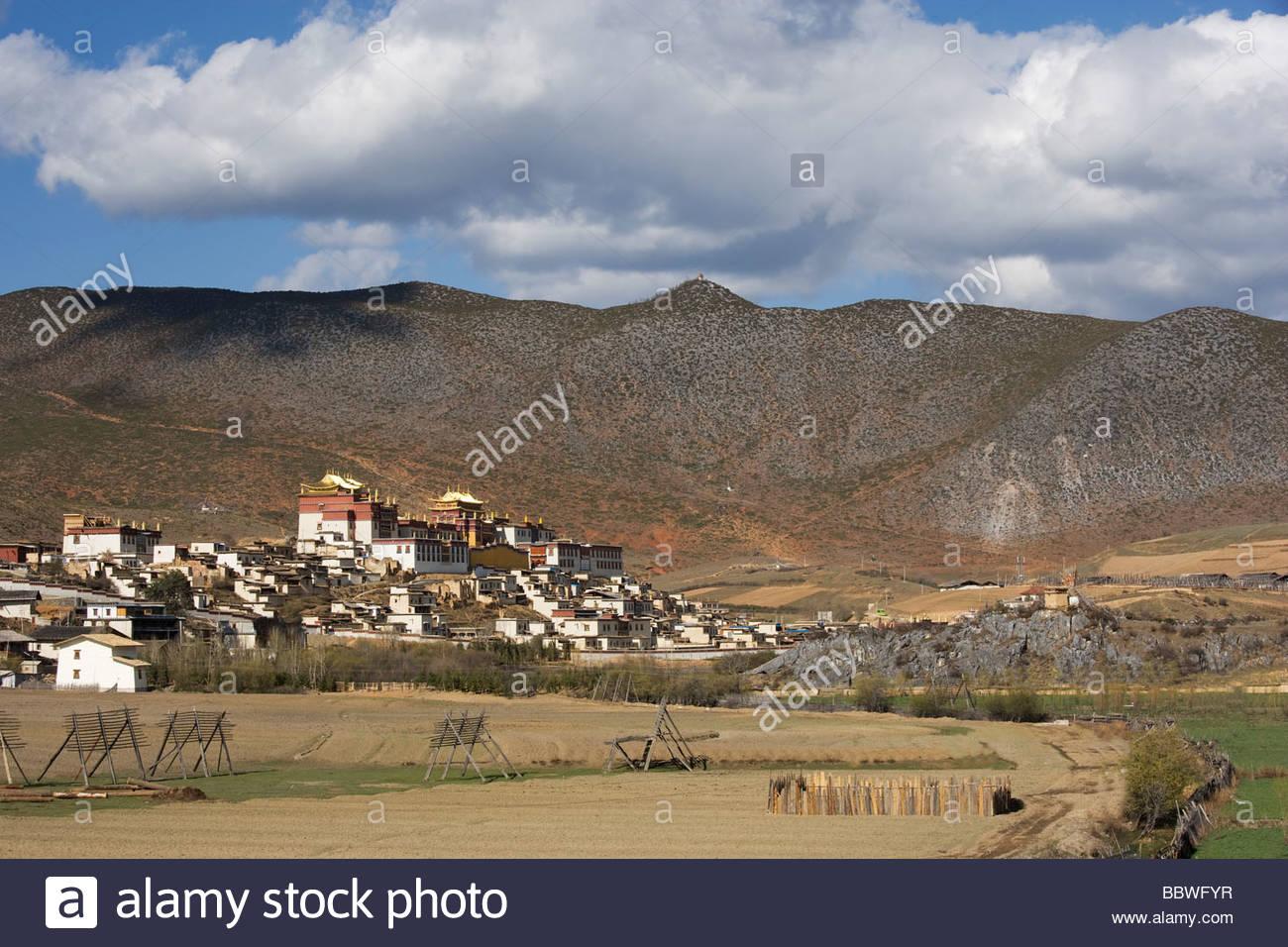Monastero Buddista ganden sumsteling gompa, zhongdian, Shangri-la, Yunnan, Cina, Asia Immagini Stock