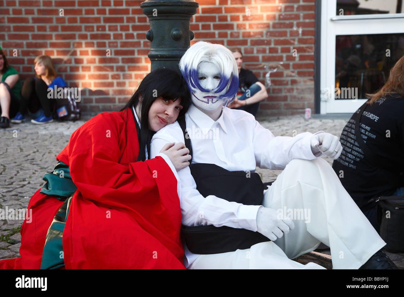 Giovani amanti in tradizionali abiti giapponesi sul Giappone giorno Tag Düsseldorf 2009 Immagini Stock