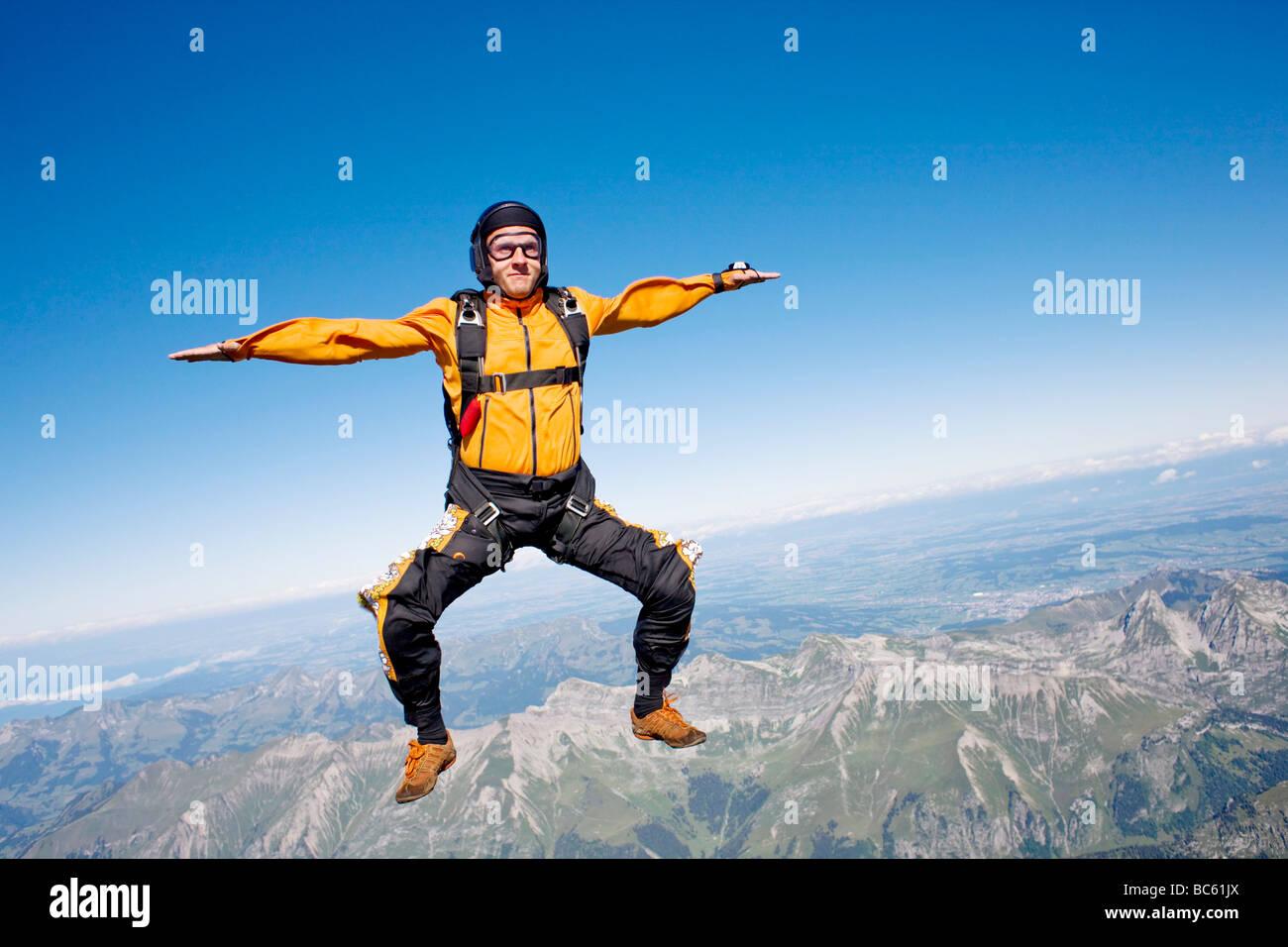 Parachutist in caduta libera, Svizzera Immagini Stock