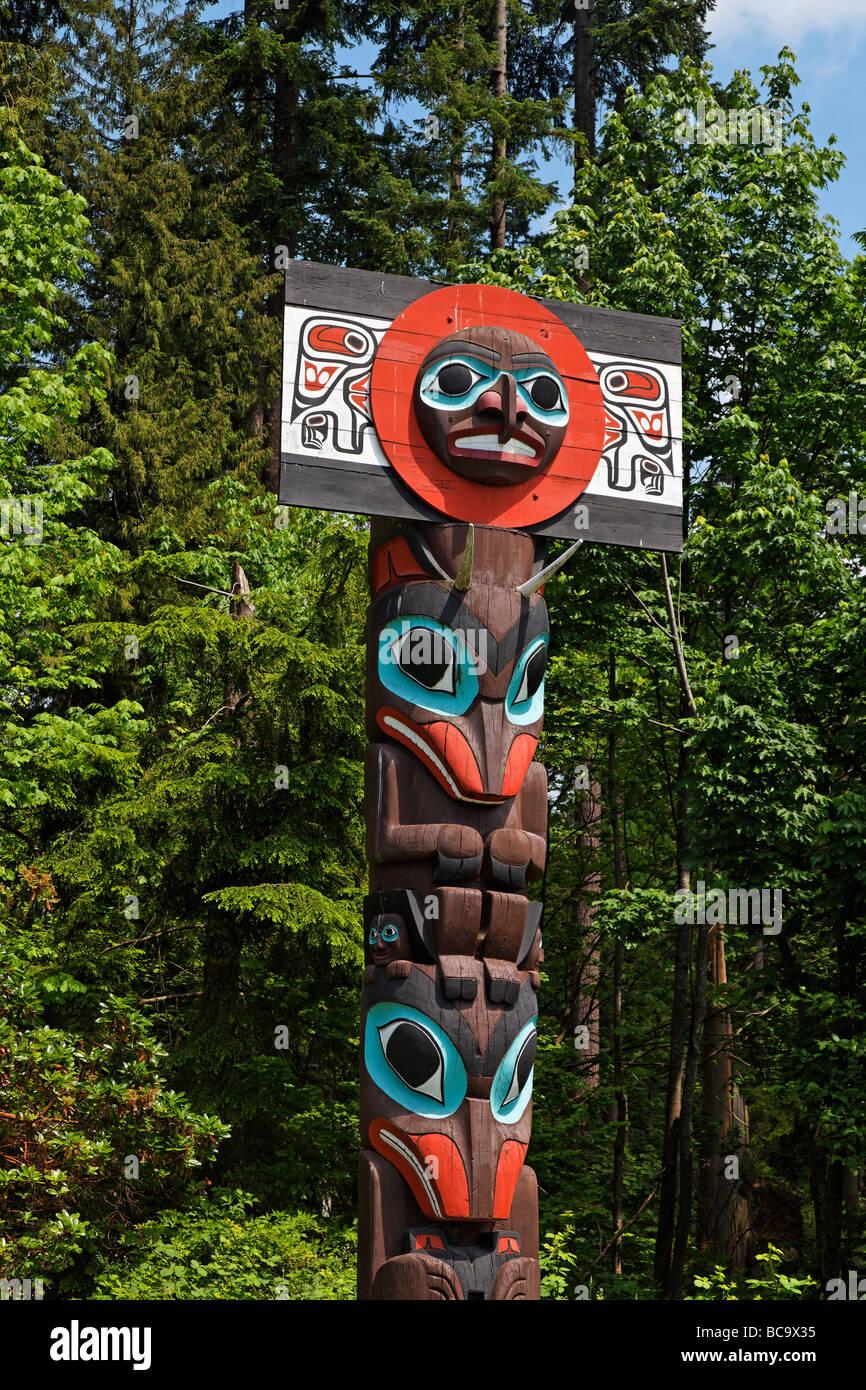 Il totem pole a Stanley Park della città di Vancouver Canada America del Nord Immagini Stock