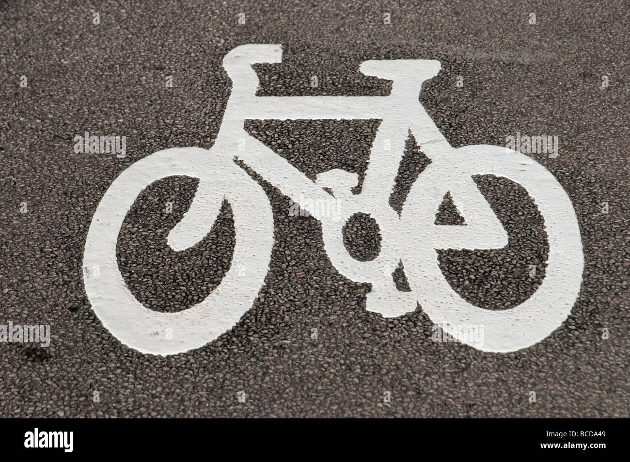 Pista ciclabile simbolo marcatura stradale Londra Inghilterra REGNO UNITO Immagini Stock