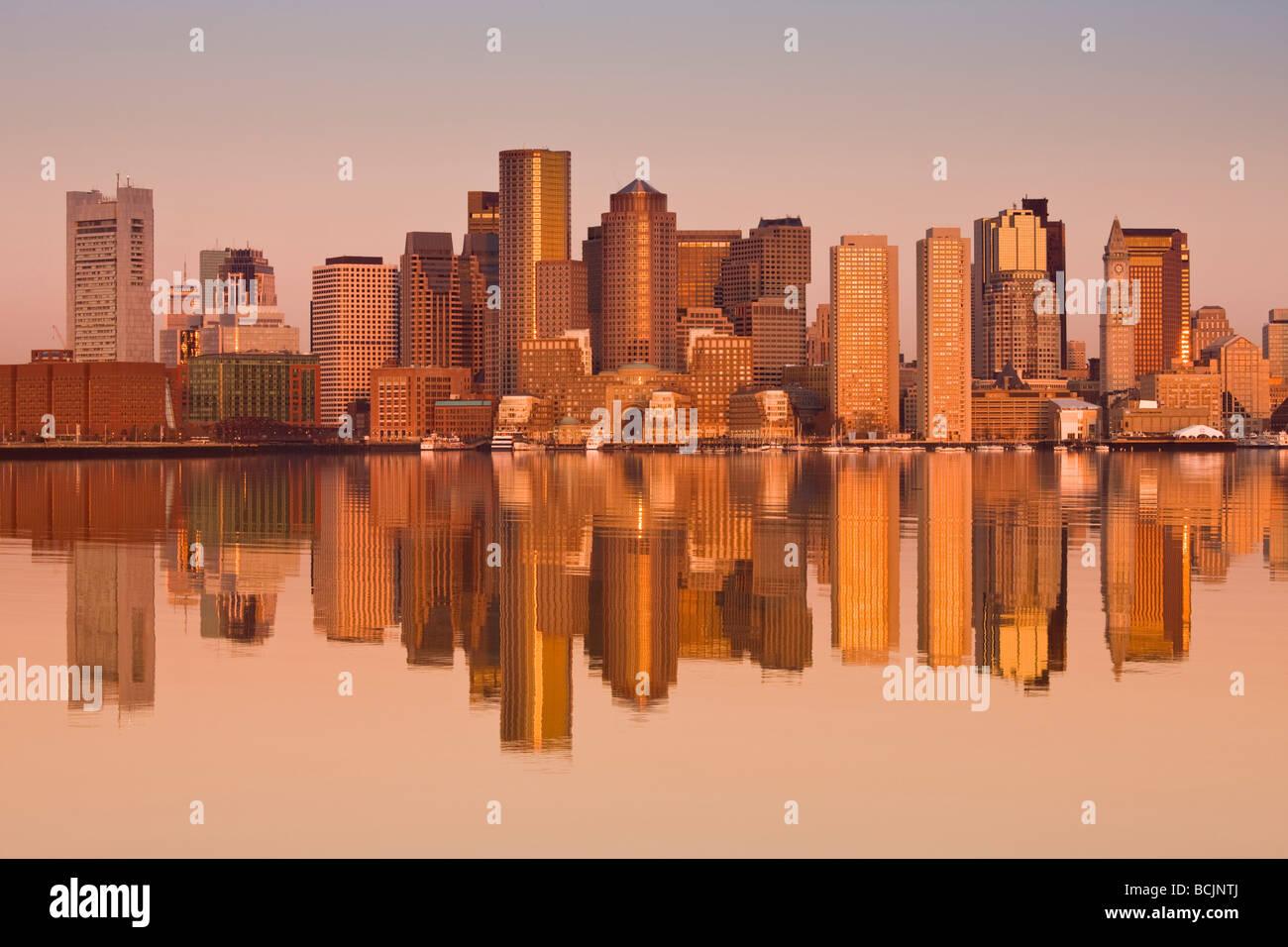 Stati Uniti d'America, Massachusetts, Boston, quartiere finanziario dall'Aeroporto di Logan, East Boston Immagini Stock
