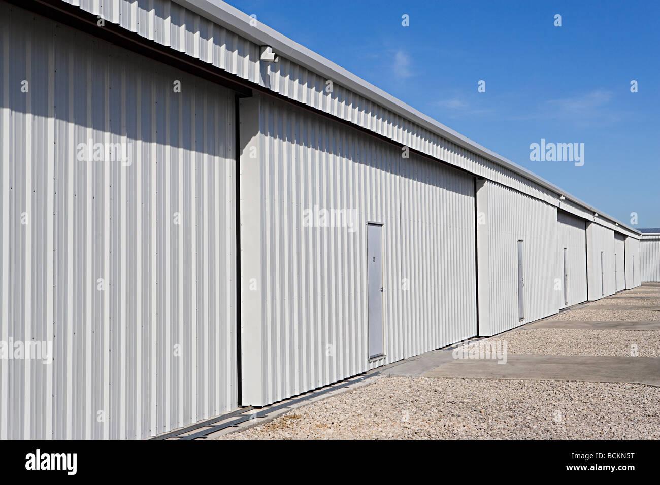 Gli edifici adibiti a magazzino Immagini Stock