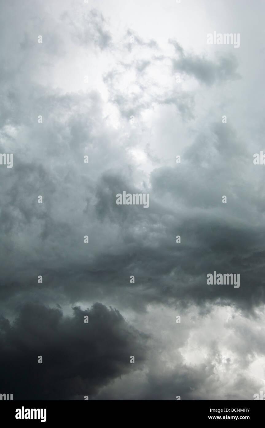 Nuvole temporalesche estate Immagini Stock