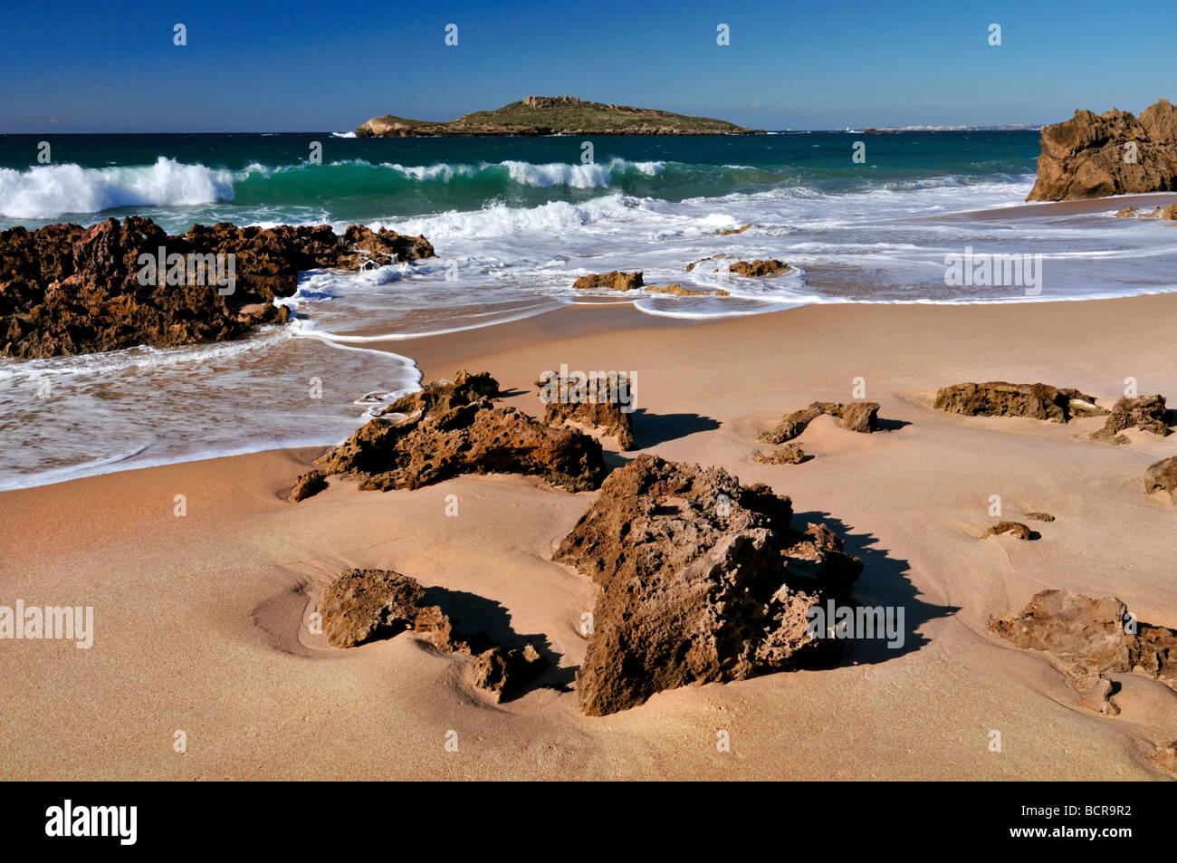 Portogallo Alentejo: Spiaggia Ilha de Pessegueiro in Porto Covo Immagini Stock