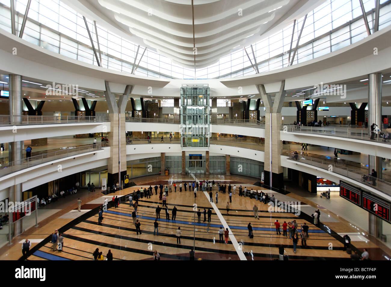 La sala arrivi, OR Tambo Aeroporto Internazionale di Johannesburg, Sud Africa e Africa Immagini Stock