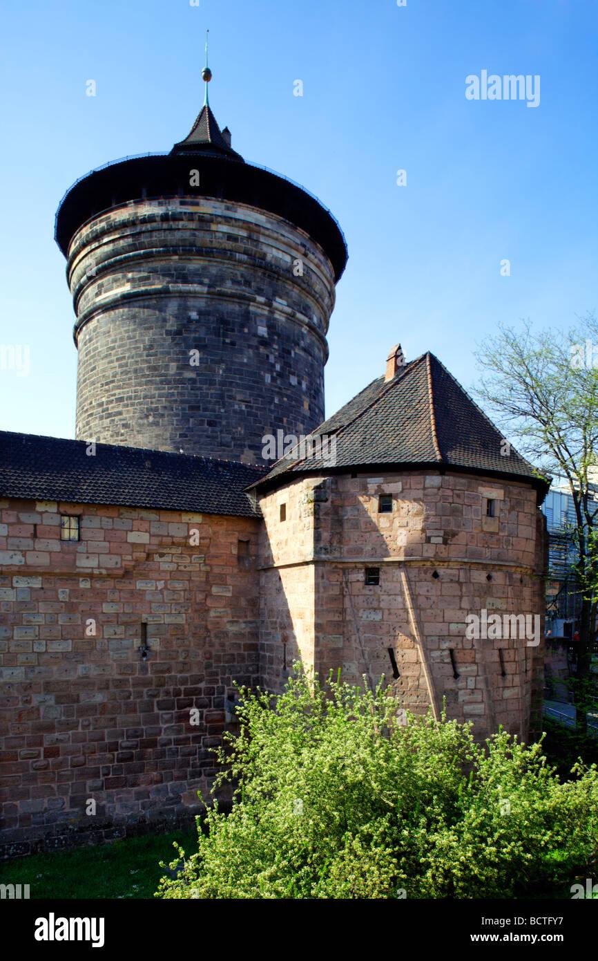 Koenigs- und Frauentorzwinger Bailey, le mura della città, torre fortificata, città vecchia, Norimberga, Immagini Stock