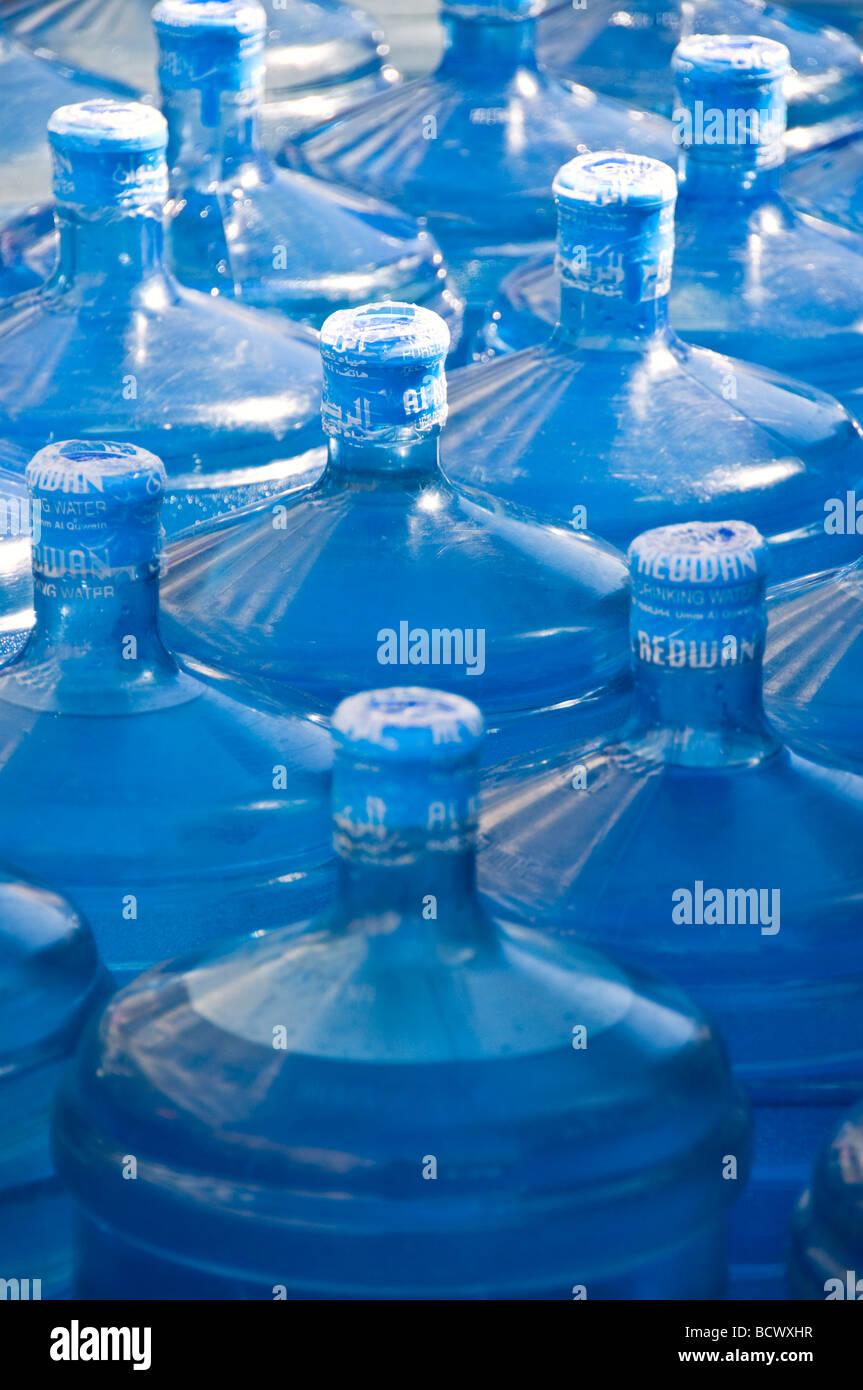 Grandi bottiglie di acqua Immagini Stock