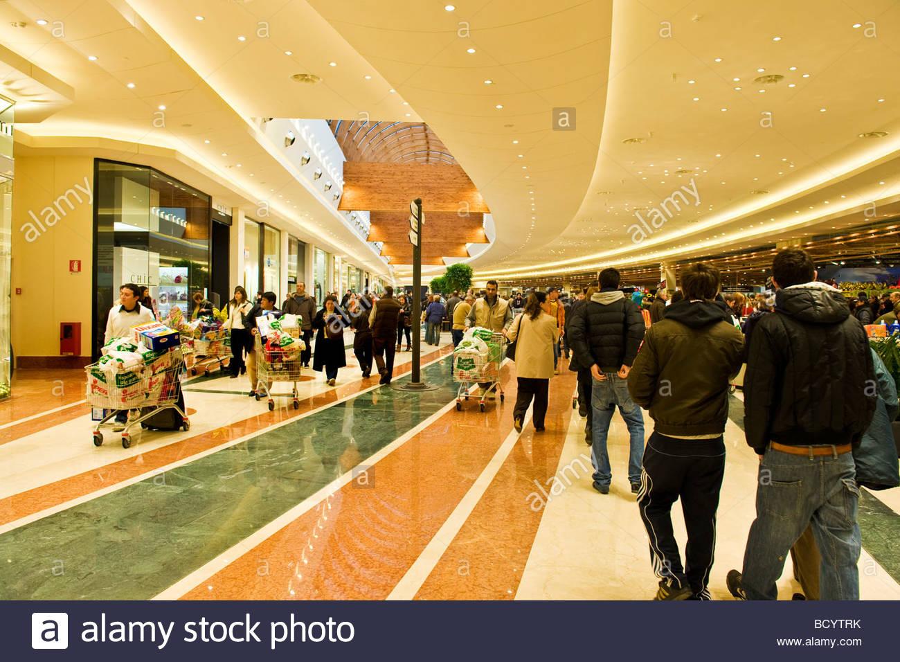separation shoes 98450 19008 Il destriero shopping center di vittuone, lombardia, italia ...