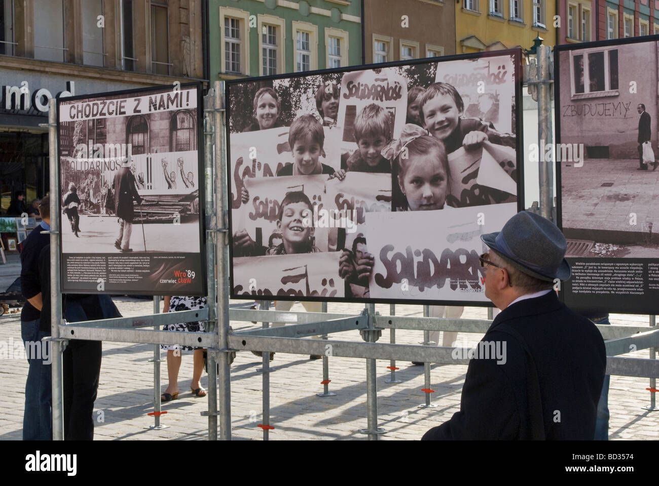 Venite con noi e segni di solidarietà nella foto storiche Wrocław Giugno 1989 il crollo del comunismo, visualizzato Immagini Stock