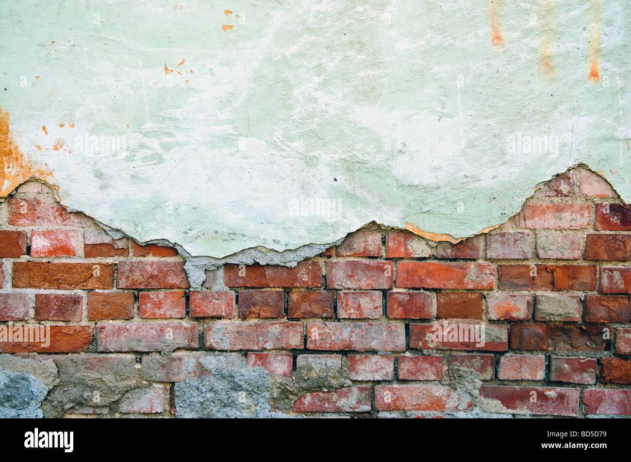 Weathered obsoleto il vecchio muro di mattoni Immagini Stock