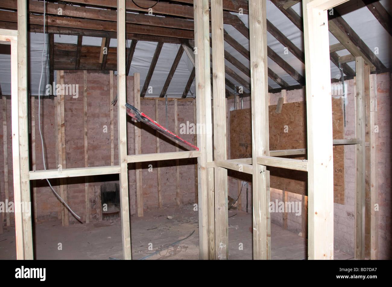 Parete Divisoria In Legno : Prigioniero della parete divisoria legno di struttura che mostra