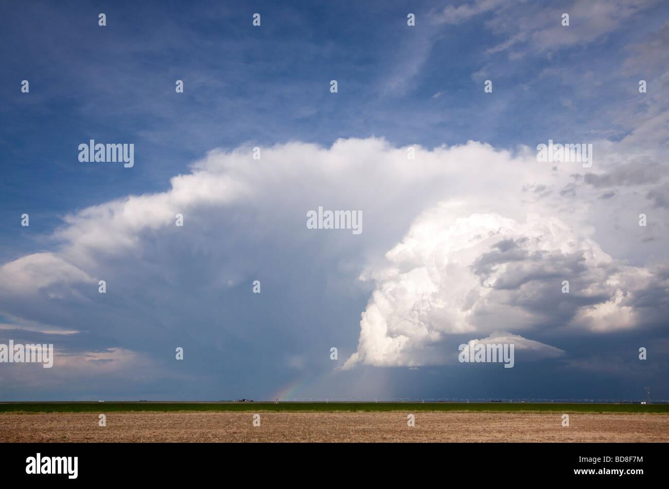 Un temporale nella distanza nel sud del Kansas il 4 giugno 2009 Immagini Stock