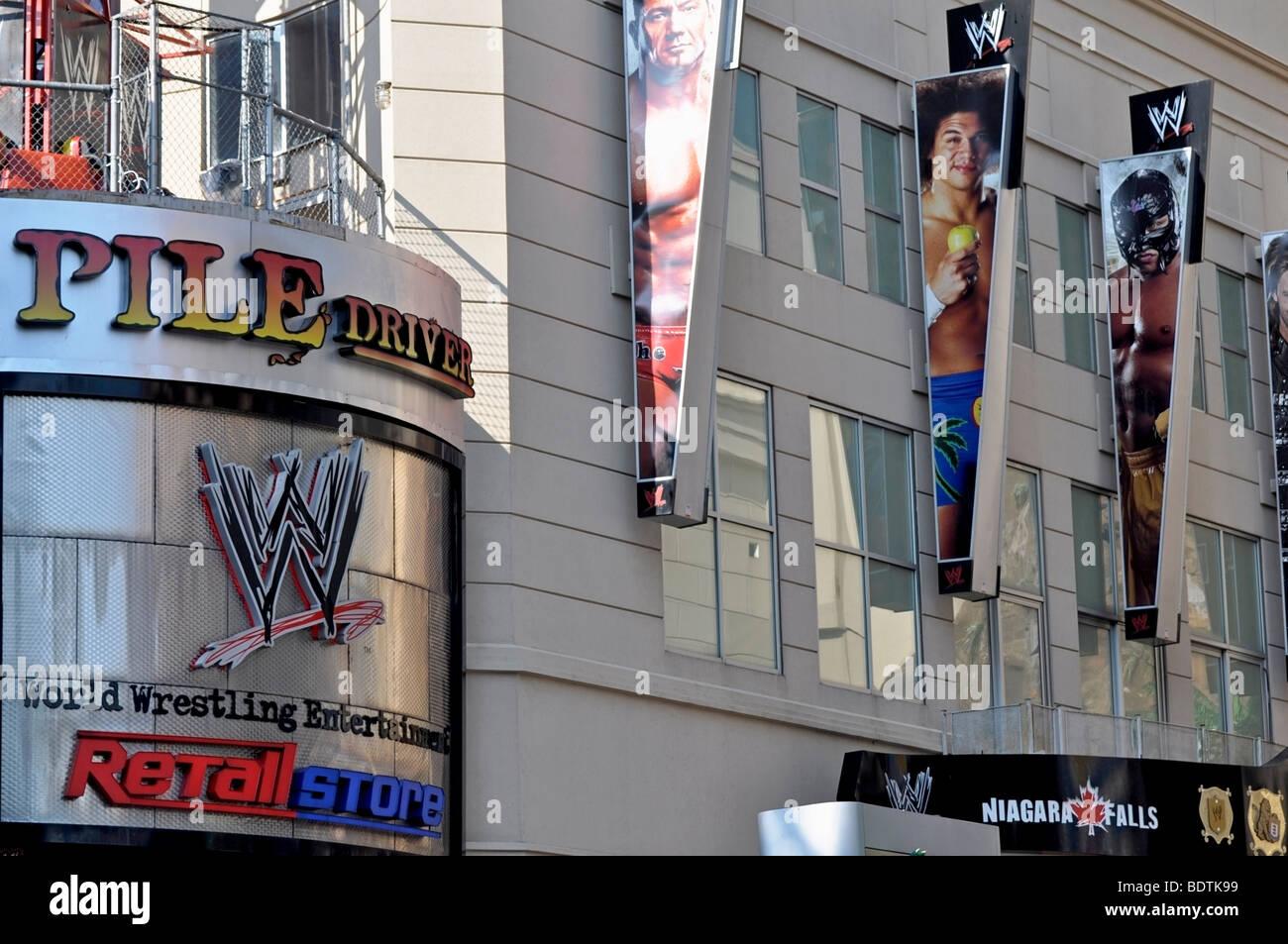 WWE (World Wrestling animazione) - Attrazioni su Clifton Hill, Niagara, Canada Immagini Stock