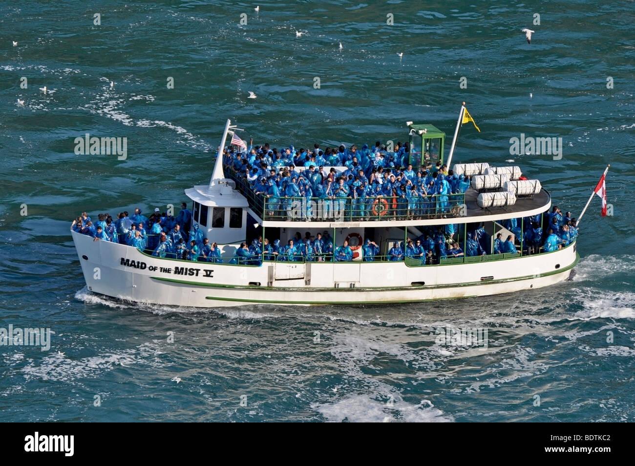 La Domestica della Foschia barca con i turisti, le Cascate del Niagara, Canada Immagini Stock