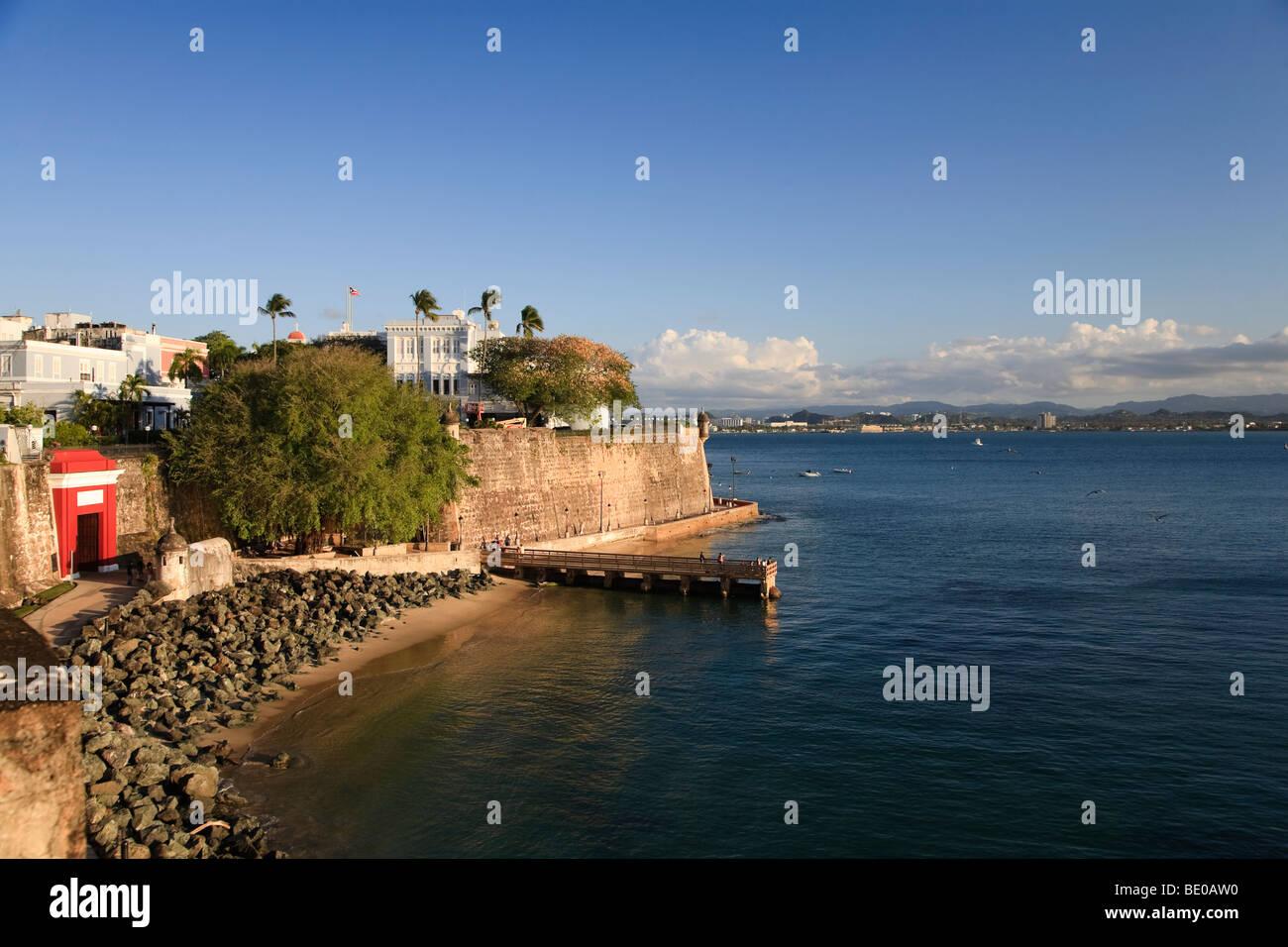 Stati Uniti d'America, Caraibi, Puerto Rico, San Juan, città vecchia, Paseo del Morro, la Muralla e Puerta Immagini Stock