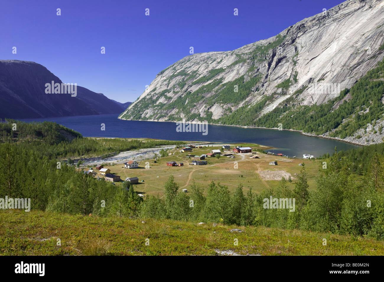 Sami village Hellmobotn a Hellmofjorden, Norvegia, Scandinavia, Europa Immagini Stock