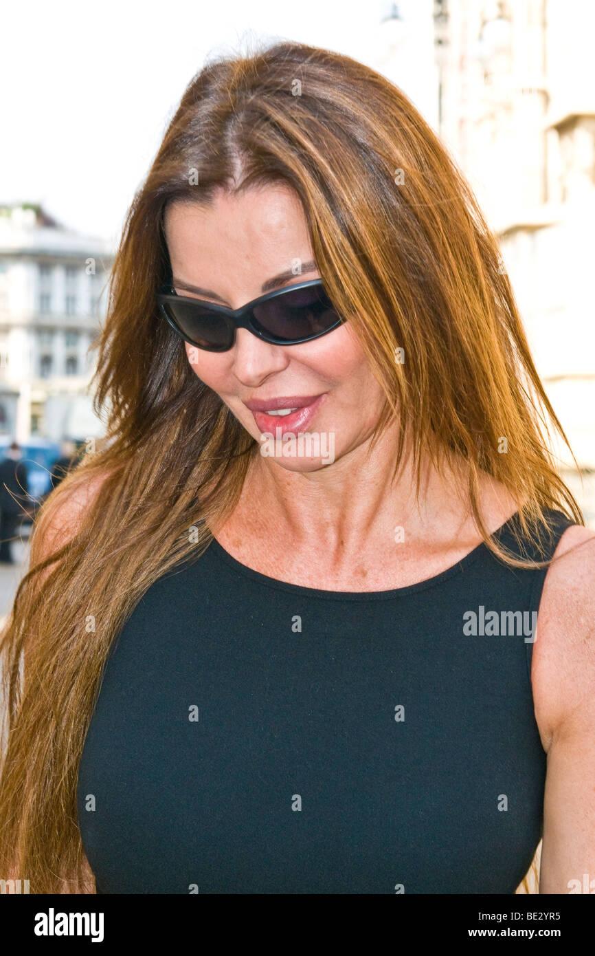 Alba Parietti, il funerale di Mike Bongiorno, Milano, Italia, 12 settembre 2009 Immagini Stock